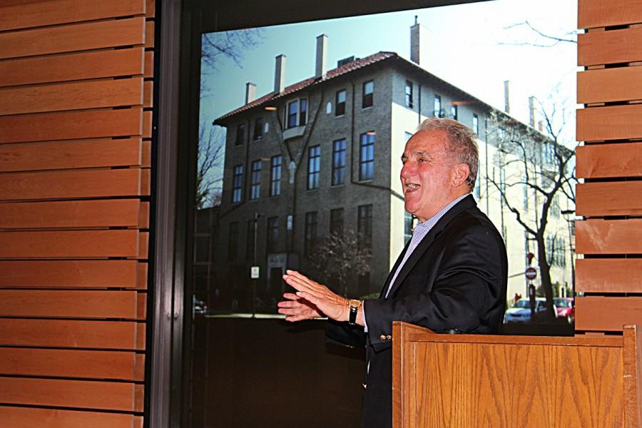 Investigative reporter Stephen Kurkjian recounts his experience reporting on the art heist at the Boston Stewart Garden Museum.