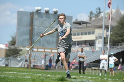 Dash Dericks, '18, won the discus with a toss of over 41 meters. Photo credit to W&L Sports Info.