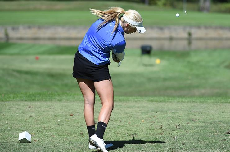 Caroline Holloway, '18, was one of three first-year golfers to be on the All-ODAC team last season. Photo courtesy of W&L Sports Info.