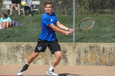 Zack Ely, '19, has had to step up since Michael Holt, '16, tore his ACL. Ely has won his last seven singles matches. Photo courtesy of W&L Sports Info.
