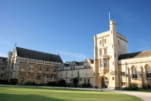 Photo of Mansfield College, Oxford. Photo courtesy of wlu.edu.
