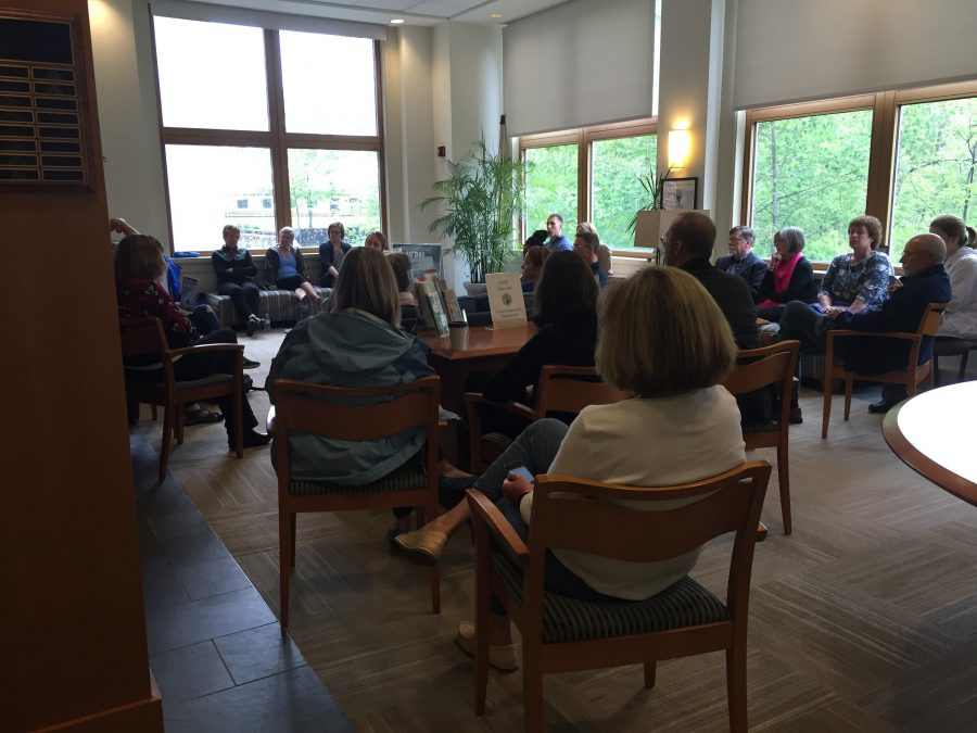W&L community members and Fitness Center staff gather to discuss the dress code controversy. Photo by Ellen Kanzinger, '18.