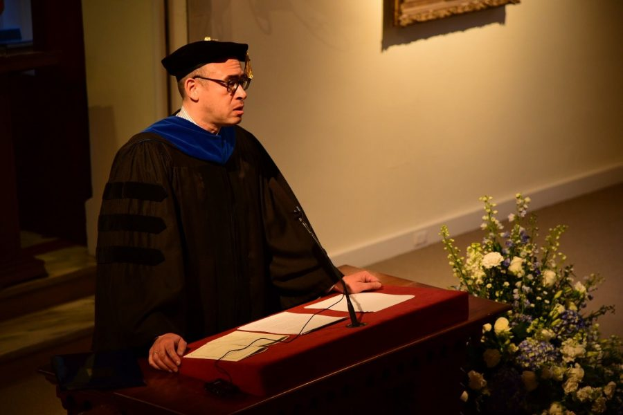Jonathan Holloway speaks to audience in Lee Chapel on Thursday. Photo by Jake Sirota, '19.