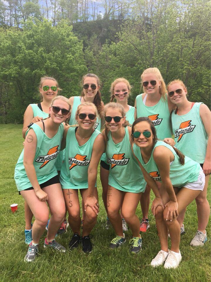 W&L sorority members pose for a picture at Derby Days. Photo courtesy of Kappa Alpha Theta