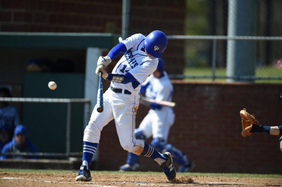 Baseball splits recent weekend doubleheader against Lynchburg