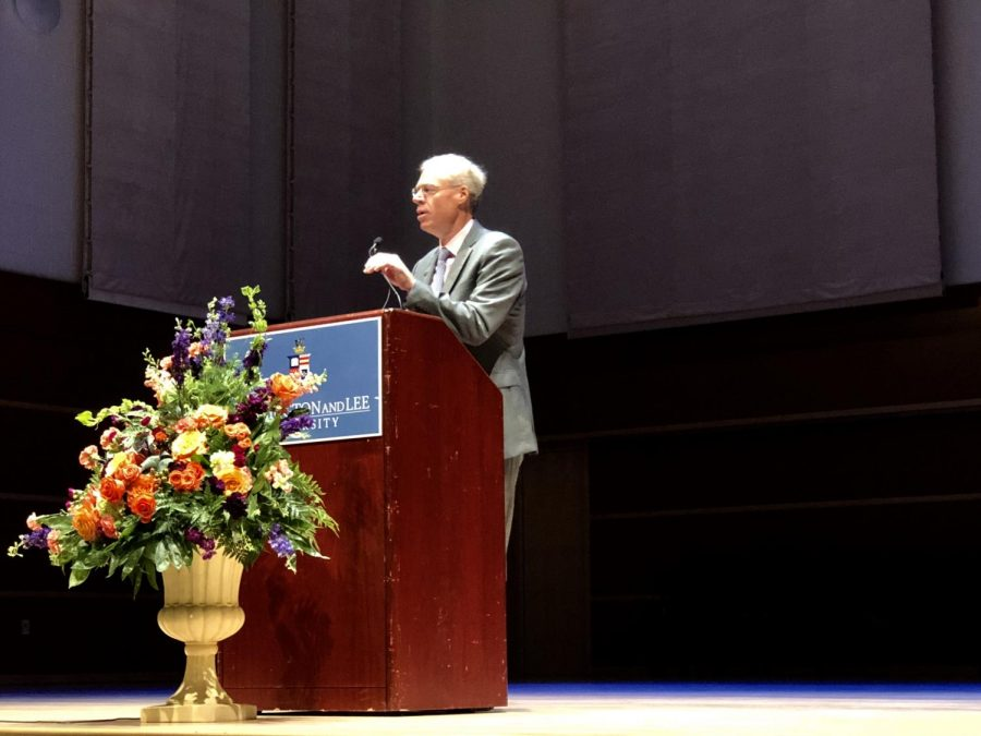 President Dudley speaks to parents in Wilson Concert Hall. Photo by Liza Moore, 21.