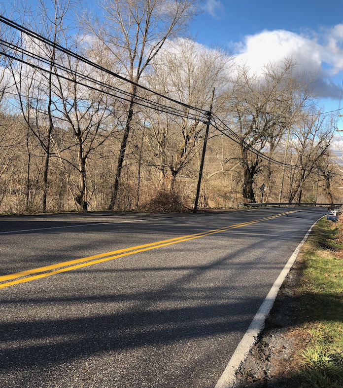 Furr Mills Road, where many of the break-ins occurred, is a popular location for off-campus seniors to live. Many of the students have cars to travel to and from campus. Photo by Emily Cohen, '19.