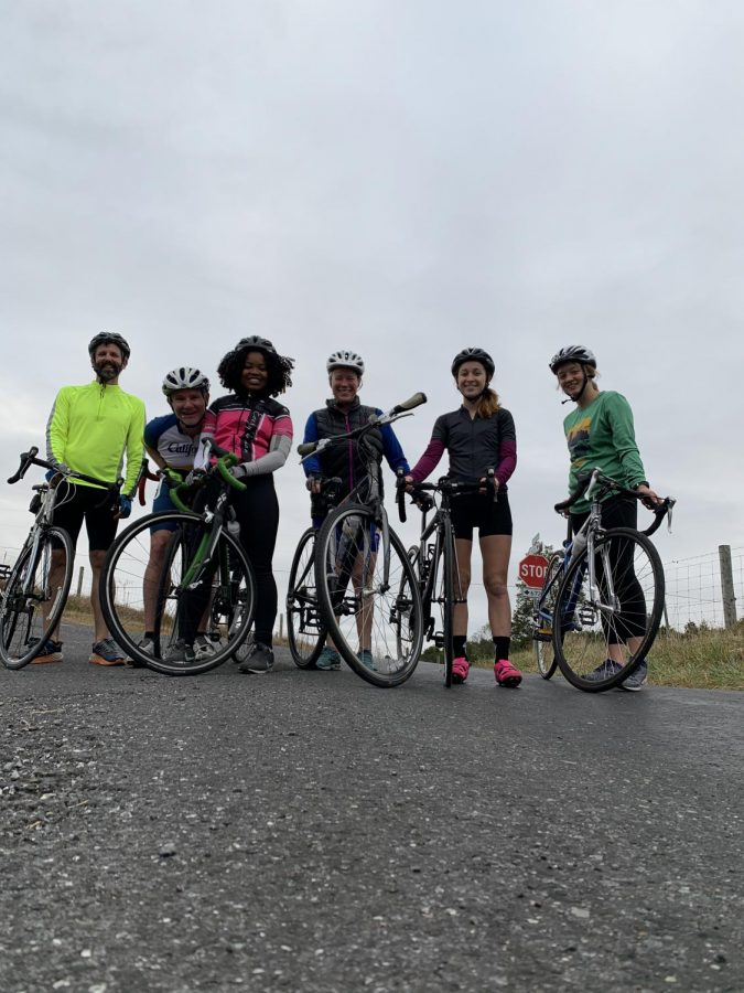 Jon Eastwood, Thom Richmond, Joëlle Simeu, '20, Sally Stone Richmond, Sydney Lee, '22, and Haleigh Tomlin, '22, on a group ride in Rockbridge County. Photo courtesy of Sydney Lee.