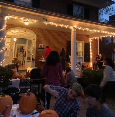 The Washingtonian House hosted a pumpkin carving event on Saturday, Oct. 26. Photo courtesy of Allie Stankewich.