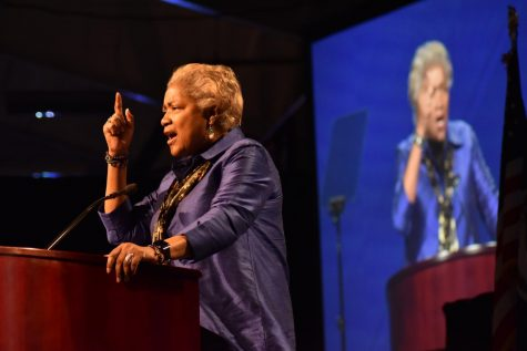 Donna Brazile urges students to make a 'wise choice'