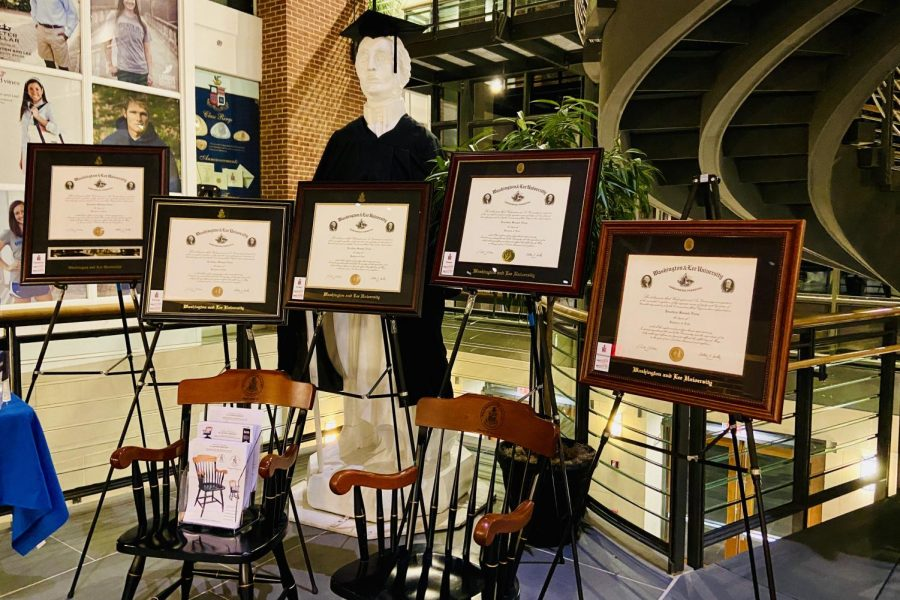 Diploma frame options displayed in commons for Seniors. Photo by Jackson Jacobs